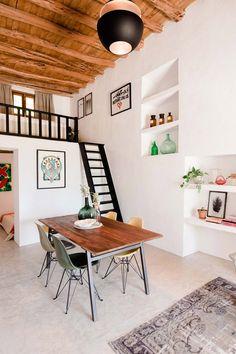 La isla bonita !    Casa Campo ou 45m2 de bonheur à Ibiza !     Une ancienne écurie, transformée par le hollandais Standard Studio, fait l...