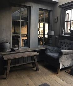 🌟Tante S!fr@ loves this📌🌟 Dark Interiors, Rustic Interiors, Living Room Inspiration, Interior Inspiration, Design Studio, House Design, Parisian Apartment, Beautiful Interior Design, Dark Walls