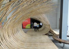 Japanese architect Kengo Kuma has bent bamboo into walkways and seating areas at this year's Gwangju Design Biennale in South Korea, which opens today. Kengo Kuma, Bamboo Architecture, Sustainable Architecture, Interior Architecture, Bamboo House, Bamboo Wall, Interactive Walls, Bamboo Structure, Bamboo Design