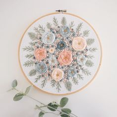 Wonderful Ribbon Embroidery Flowers by Hand Ideas. Enchanting Ribbon Embroidery Flowers by Hand Ideas. Hand Embroidery Patterns Free, Embroidery Flowers Pattern, Simple Embroidery, Learn Embroidery, Silk Ribbon Embroidery, Embroidery Hoop Art, Vintage Embroidery, Embroidery Ideas, Embroidery Stitches