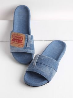 SheIn offers Patch Detail Denim Flat Slippers & more to fit your fashionable needs. Denim Sandals, Recycle Jeans, Old Jeans, Me Too Shoes, Slippers, Shops, Cozy Winter, Sewing, Espadrilles