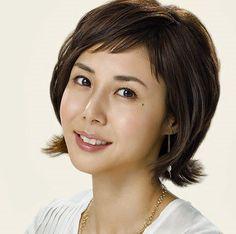 松嶋菜々子の髪型、40代でも自然なショートヘア