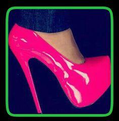 Zapatilla rosa neón