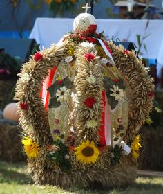 Folk Art, Christmas Wreaths, Symbols, Sunflowers, Holiday Decor, Poland, Home Decor, Garten, Decoration Home