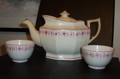 teapot and tea bowls. Regency House, Tea Bowls, Teapot, Porcelain, Pottery, Dolls, Tableware, How To Make, Collection