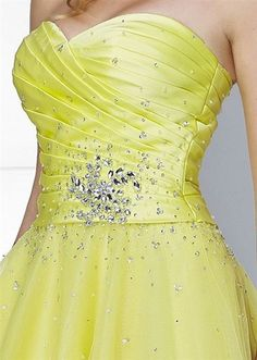 Gorgeous crystal bodice of the yellow Lilian Prom Dress By Rosetta Nicolini from Berketex. Best Prom Dresses, Beautiful Prom Dresses, Grad Dresses, Pretty Dresses, Formal Dresses, Wedding Dresses, Ball Gowns, Evening Dresses, Party Dress
