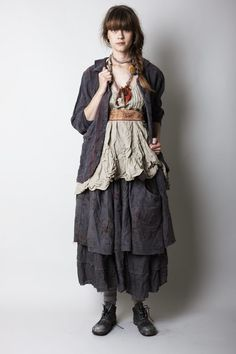 Yes...love layering skirts-been doing it for years! Now if I can find some decent ones here in south Italy...where everything is to be sexy...not draped
