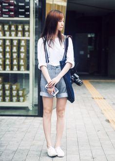 asian fashion waiting