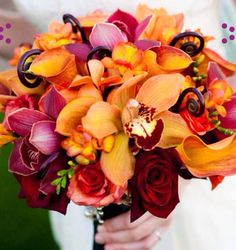 Beautiful colors for a wedding bouquet! Love this!