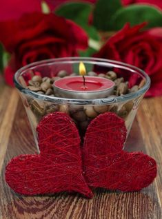 19 Unusally Easy & Cheap DIY Valentine's Day Home Decorations Valentine's Home Decoration, Romantic Room Decoration, Valentines Day Food, Valentines Day Decorations, Valentine Gifts, San Valentin Ideas, Saint Valentin Diy, Romantic Candles, Beautiful Candles