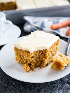 This easy Carrot Cake is deliciously moist and topped with a  Mein Blog: Alles rund um Genuss & Geschmack  Kochen Backen Braten Vorspeisen Mains & Desserts!