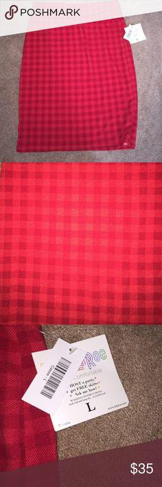 BNWT LuLaRoe Cassie Skirt size L BNWT LuLaRoe Cassie Skirt size L in the color red with red plaid LuLaRoe Skirts Pencil