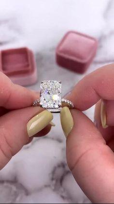 Big Diamond Rings, Diamond Wedding Rings, Square Cut Diamond Ring, Square Wedding Rings, Big Wedding Rings, Dream Wedding, Cute Engagement Rings, Radiant Engagement Rings, Most Beautiful Engagement Rings