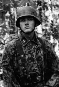 historywars: Young SS soldier.