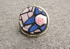 Rose Mosaic Mirror Compact by PiecesofhomeMosaics on Etsy, $28.99 #rt #abees