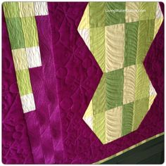 Hexie Totem - quilted with galactic jacks, fanned petals and wavy lines