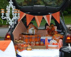 Tailgating Fever... Deck out your trunk with these fun ideas.  www.lizbushong.com/tailgating