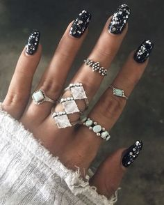 Black Nails With Glitter, Glittery Nails, Glitter Nail Art, Blue Nails, Black Silver Nails, Chunky Glitter Nails, Nail Black, Black Manicure, Glitter Gif