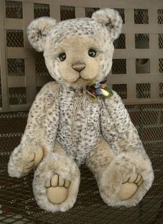 Tobias by One&Only Bears ~ I must have one of her bears some day