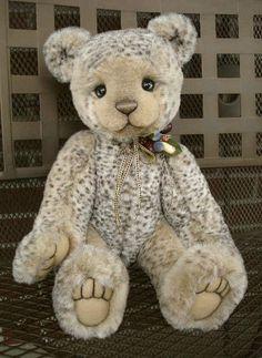 Tobias by Michelle Lamb of One Bears. Teddy Bear Party, Cute Teddy Bears, Bear Cubs, Panda Bear, Sleepy Bear, Bunny And Bear, Cute Cartoon Animals, Love Bear, Bear Doll