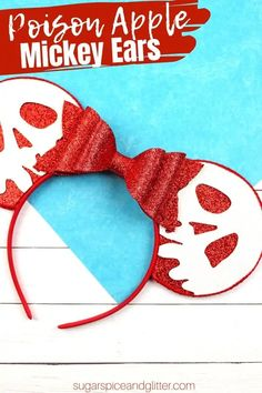 A super cute DIY Mickey Ears headband inspired by Snow White or the Descendents! Grab our free printable template to make these DIY Poison Apple Ears yourself Snow White Poison Apple, Apple Template, Fun Activities For Kids, Activity Ideas, Craft Activities, Disney Diy Crafts, Headband Crafts, Disney Headbands, Disney Tips