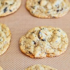 Oreo Cheesecake Cookies - interesting to try. Oreo Cookie Recipes, Oreo Cheesecake Cookies, Just Desserts, Delicious Desserts, Dessert Recipes, Sallys Baking Addiction, Baking Cupcakes, Eat Dessert First, Yummy Cookies