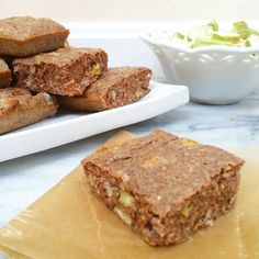These apple spice breakfast bars are still my favorite recipe of the whole season - so much fall deliciousness!!  Recipe link in bio! by healthygamergirl