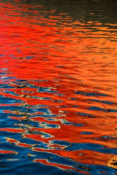 red and blue just interests me. They aren't complimentary but they can evoke a lot of different feelings especially when they're both bright Reflection Art, Water Reflections, Water Abstract, Abstract Art, Painting Inspiration, Art Inspo, Abstract Photography, Experimental Photography, Surrealism Photography