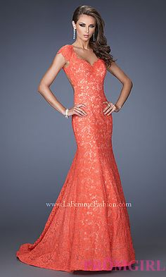This hot coral lace mermaid gown for Prom? Yes, please!