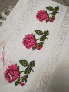 Fancy Sarees, Crewel Embroidery, Modern Cross Stitch, Elsa, Diy And Crafts, Canvas, Cross Stitch Borders, Cross Stitch Flowers, Cross Stitch Rose