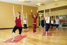 Newsflash: yoga is for skinny white women Look around your yoga course. Is it primarily white ladies? Rosalie Murphy at The Atlantic says yoga seriously does not have […] Fitness Del Yoga, Senior Fitness, Senior Workout, Fitness Classes, Yoga Classes, Ways To Increase Metabolism, Health And Wellness, Health Fitness, Health Tips