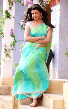 Kajal-Agarwal-in-green-saree-Jilla-telugu-movie-photos