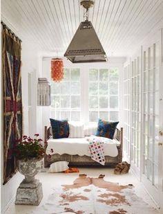 - narrow room style -