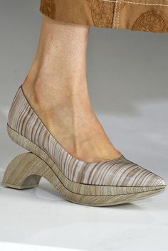 Acne - Spring 2017 Shoe Trends Straight From the Runway - Best Spring and Summer Shoes Crazy Shoes, New Shoes, Me Too Shoes, Women's Shoes, Shoes Style, Sock Shoes, Shoe Boots, Celine, Balenciaga