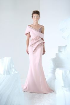 RACHMANINOFF Pink crepe fishtail dress, with sculptural volumes and embellishments on the waist, velvet asymmetrical bust. Couture Dresses, Bridal Dresses, Fashion Dresses, Look Formal, Fishtail Dress, Zuhair Murad, Mode Outfits, Couture Collection, Elie Saab