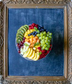 How to make the ultimate fruit platter. Tips, tricks and serving suggestions to make your fruit tray extra special. Mexican Fruit Salads, Eat Fruit, Fresh Figs, Fresh Fruit, Brown Apple, Vegetable Stand, Platter Ideas, Types Of Fruit, Fruit In Season