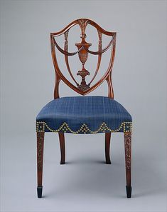 Side chair – attributed to Samuel McIntire Look at the nail head design! Georgian Furniture, Antique Furniture, Pine Furniture, Furniture Styles, Furniture Design, Side Chairs, Dining Chairs, Love Chair, Antique Chairs
