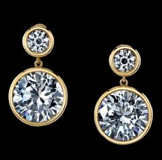 And the Oscar for Best Jewelry  42 carats-worn by Jolie by Robert Procop