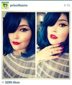 Dark blue hair and red lips- this would look gorgeous wiht your complexion Blue Green Hair, Dark Blue Hair, Midnight Blue Hair, Hair Color Streaks, Candy Hair, Beautiful Hair Color, Magic Hair, Fantasy Hair, Dye My Hair