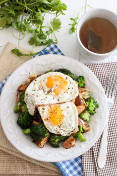 Turkey, Apple and Broccoli Breakfast Hash Recipe