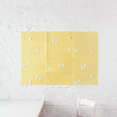 Populäre Produkte- Wall Calendar & Planner byDiG Berlin Project plans? Vacations? Due dates? Just write them on the wall! With DiG'swall planner you can mark days or weeks easily by hand and label important dates with one of the 100 Post-it notes.The five folds of the planner make the grid for the year and the field for each month. The reduced design is fully functional: you will find numbered weeks and labeled weekdays to make it easy to navigate through year a full of things ...