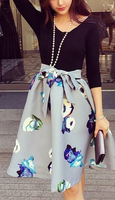 Flower Print Bowknot Design A Line Dress - Black Long Sleeve Fitted Top Floral Fit and Flare Skirt Dress Jw Mode, Fit And Flare Skirt, Work Attire, Mode Inspiration, Mode Style, Passion For Fashion, Dress To Impress, Dress Skirt, Skater Dress
