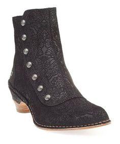 A Edwardian style shoe modernized. Knock out!