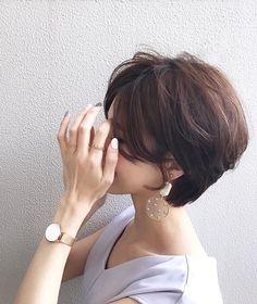 Popular Short Haircuts 2018 – 2019 - Love this Hair Asian Short Hair, Short Hair Styles Easy, Short Hair Updo, My Hairstyle, Short Hair Cuts, Popular Short Haircuts, Pelo Pixie, Hair Arrange, Hair Photo