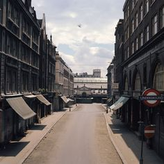 Old Covent Garden Market in & . Looking from the top of James Street by Long Acre and the Tube station towards the Central Market Vintage London, Old London, Bedford House, London Underground Stations, Highgate Cemetery, Swinging London, London History, Tourist Sites, London Photos