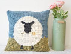 Sheep Cushion Crochet pattern by Little Doolally - Wohnwagen Crochet Sheep, C2c Crochet, Crochet Cushions, Crochet Pillow, Double Crochet, Crochet Stitches, Crochet Hooks, Crochet Patterns, Animal Cushions