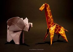 Today let's go to the savanna! I made this giraffe and elephant for a colleague of my bf and she used them to assemble them in a frame for… Giraffe, Elephant, Origami Animals, Kitten Heels, Frame, Picture Frame, Felt Giraffe, Giraffes, Elephants