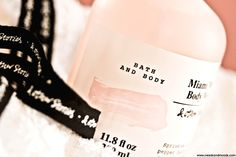 """& Other Stories Miami Muse Skincare.    Sur mon blog beauté, Needs and Moods, découvrez la collection printemps 2017 signée @andotherstories , """"Miami Muse"""":  https://www.needsandmoods.com/miami-muse-other-stories/    #andotherstories #Miami #MiamiMuse #beauté #beauty #skincare #soin #soins #cocooning #routine   #blog #blogger #BeautyBlog #BeautyBlogger #BBlog #BBlogger #BlogoCrew #FrenchBlogger #BlogBeaute #BlogBeauté  #musc #cosmetique #cosmetics #KarlaOtto"""