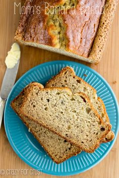 Mom's Banana Bread | crazyforcrust.com | The PERFECT banana bread recipe…