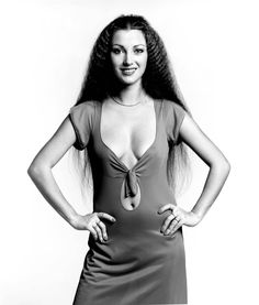 Jane Seymour Jane Seymour Hot, Crimped Hair, Bond Girls, Norma Jeane, British Actresses, Hollywood Actresses, Vintage Glamour, Vintage Beauty, Classic Beauty